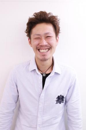 函南の美容院、美容室で働く美容師の「窪井大悟」は、牛若丸ガーデン函南店に所属しています。