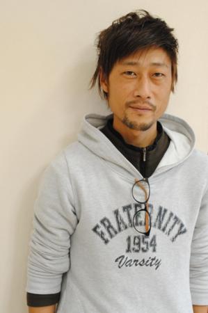 長泉の美容院、美容室で働く美容師の「鈴木伸太郎」は、牛若丸ジャパン長泉店に所属しています。