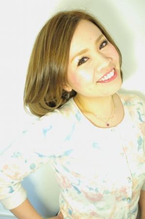 沼津のヘアサロン、マカロンの店長兼スタイリストの中村紅美