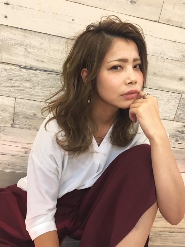 シザーズ沼津Bivi美容師鍋田友洋のスタイル_ハイライト×大人ヴェールリラクシースタイル