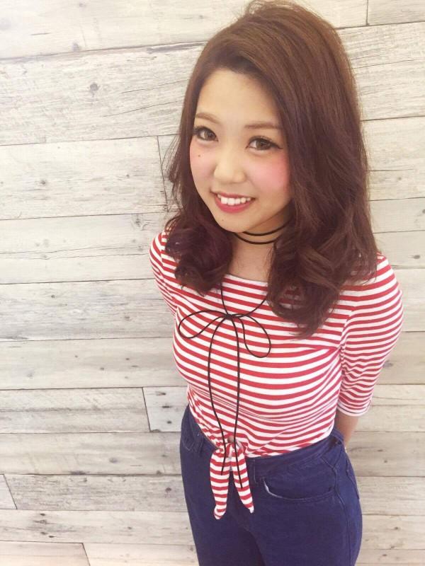 沼津の美容院、美容室で働く美容師の「吉田先希」は、牛若丸シザーズ沼津ビビ店に所属しています。