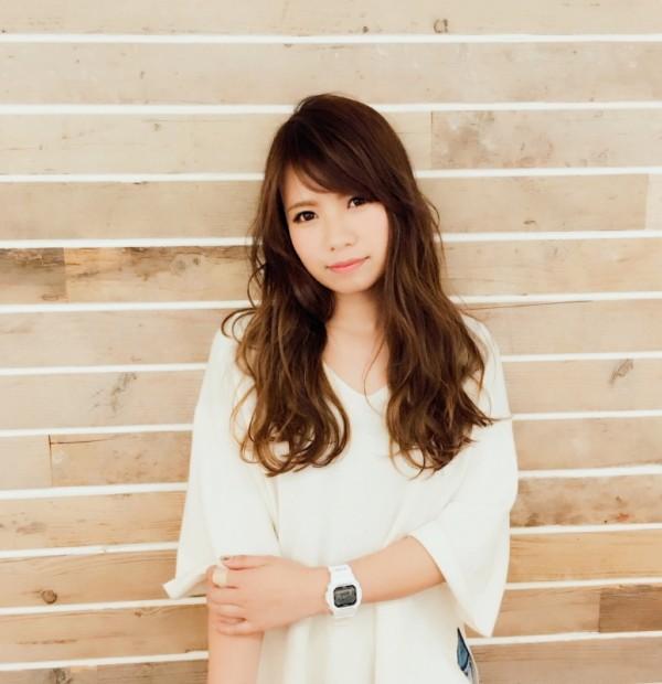 沼津の美容院、美容室で働く美容師の「齋藤友佳」は、牛若丸パイレーツ沼津店に所属しています。