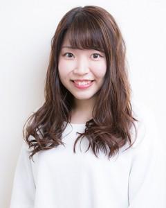 2017年入社美容師見習イノ高橋琳